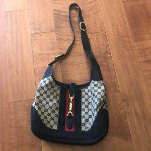Gucci Leather Shoulder Bag- 277520